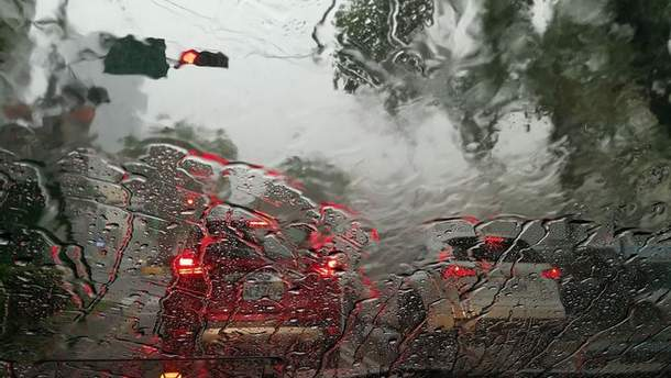 В Одесі другу добу поспіль йде дощ