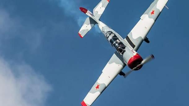 Легкомоторный самолет типа Як-52