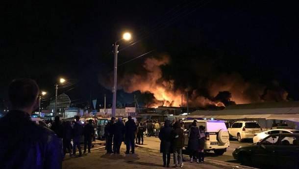 """Пожар на рынке """"Восточный"""" ( """"Теремник"""") в Ростове"""