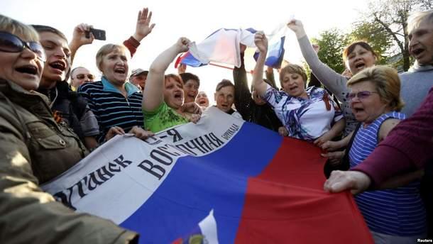 Митингующие за Россию уже давно уехали из Луганска
