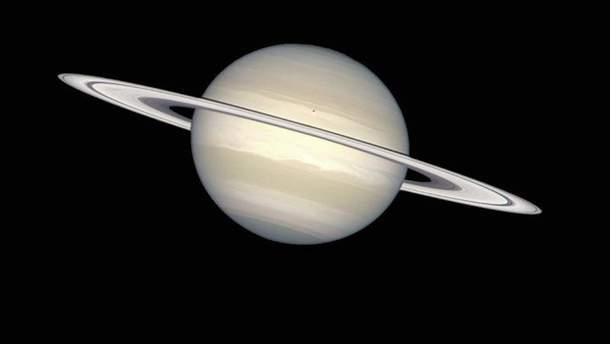 """У кільцях Сатурна знайшли """"цеглинки життя"""""""