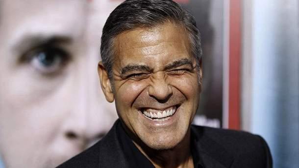 Джорджа Клуні попросили допомогти розслідувати злочини Каддафі