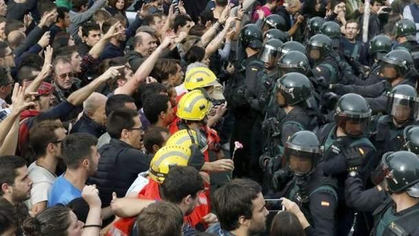 """Референдум в Каталонии: Мадрид может применить к Каталонии """"тяжелое оружие"""""""