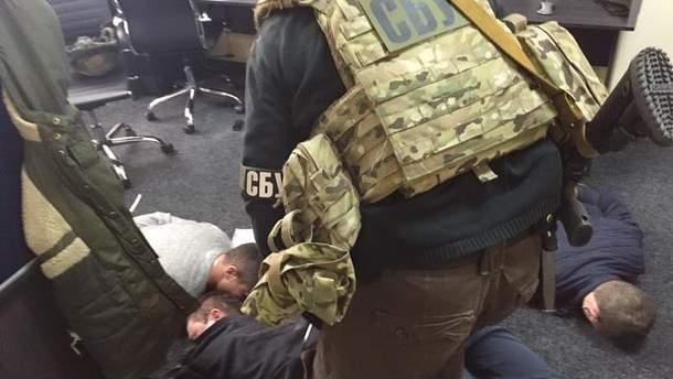 """Затримання """"колекторів"""" у Києві"""