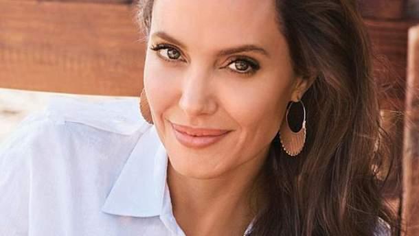 Анджелина Джоли для Harpers Bazaar