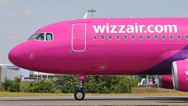 Мовний скандал на борту літака Wizzair