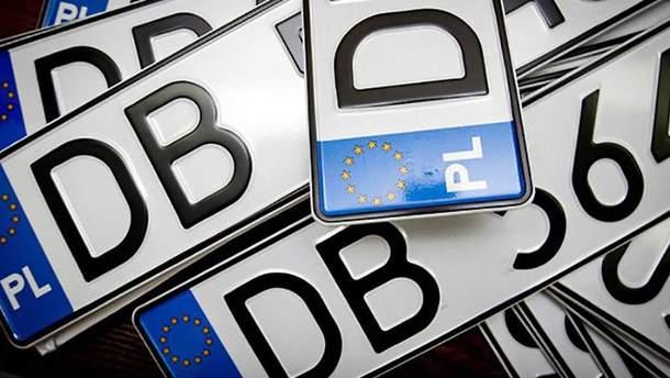 Однією з причин небажання розмитнювати автомобілі в Україні є завищена ввізне мито та ПДВ