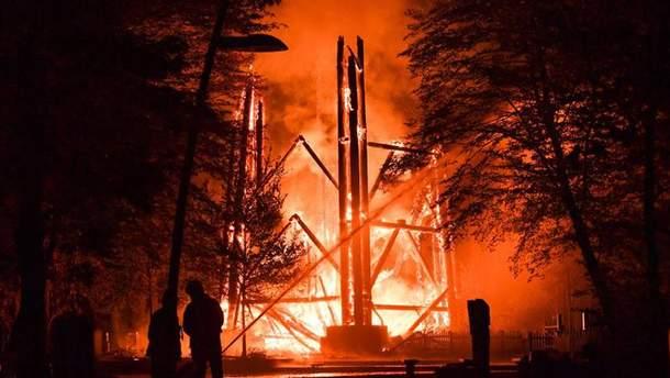 В Германии загорелась легендарная башня Гете