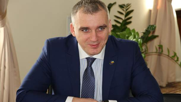 Александр Сенкевич обратился в суд