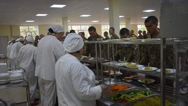 Обід у десантників