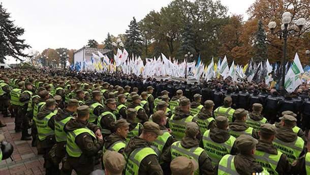 Протестующие могут пойти на штурм Рады, заявил Шкиряк