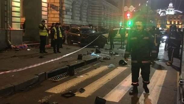 ДТП в Харькове: Lexus влетел в толпу людей