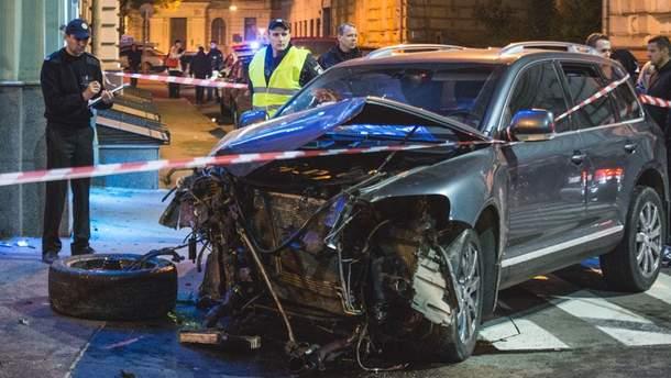 В результате наезда на людей в центре Харькова погибли мать и дочь