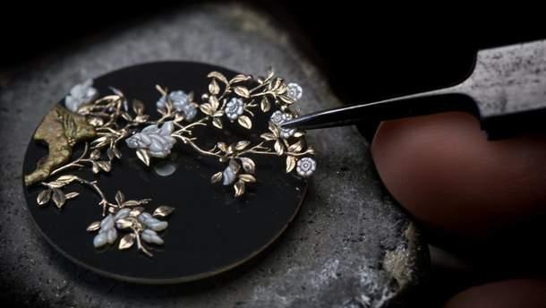 Как создают роскошные часы Chanel: завораживающее видео