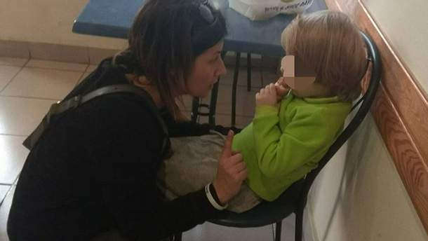 За покинутими дітьми доглядають волонтери