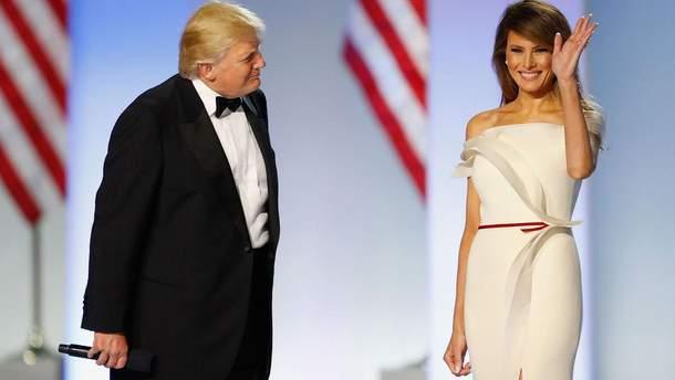 Дональд Трамп и Мелания Трамп в платье Эрве Пьера