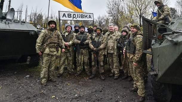 Порошенко в Авдеевке анонсировал ротацию бойцов ВСУ