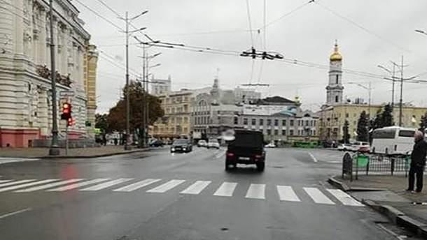 В Харькове авто нарушило ПДД на перекрестке, где произошла смертельная авария 18 октября