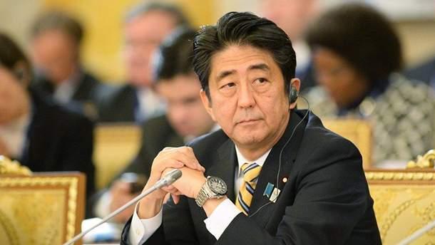 Партия Синдзо Абэ снова победила
