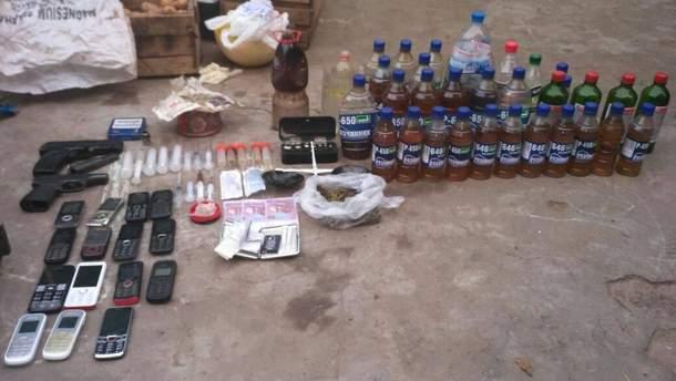 Оперативники знайшли на Херсоншині наркопритон