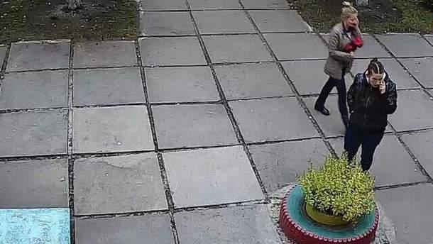 20-летняя Даяна Шаль за мгновение до похищения младенца в Киеве