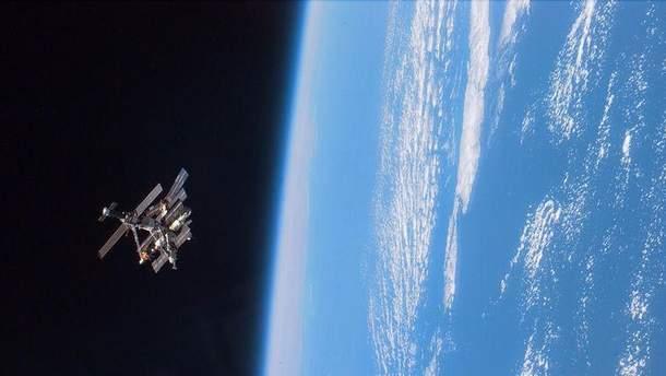 Радянський супутник зійшов з орбіти та згорів в атмосфері Землі