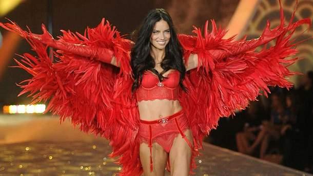 Ангел Victoria's Secret Адріана Лімі