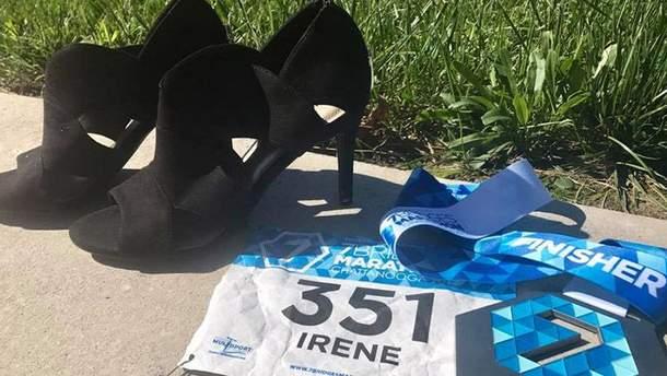 Ирен Сьюэлл пробежала марафон на каблуках