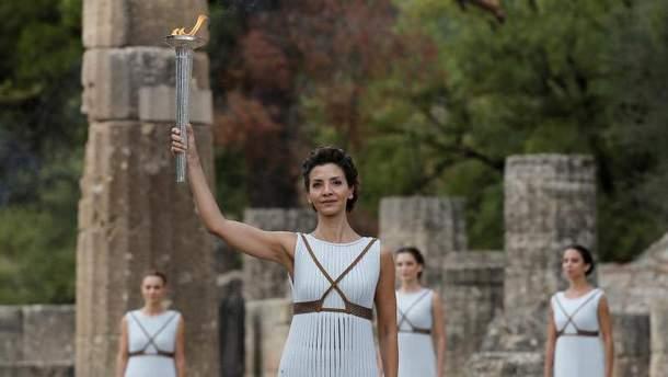 Олімпійський вогонь запалили в Греції