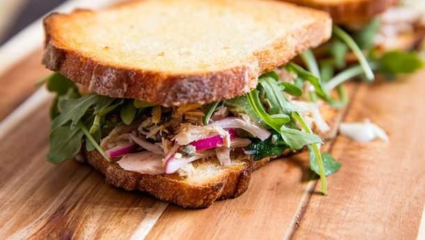 Бутерброд з тунцем