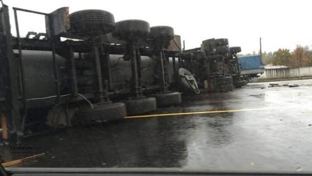 ДТП с грузовиком под Киевом