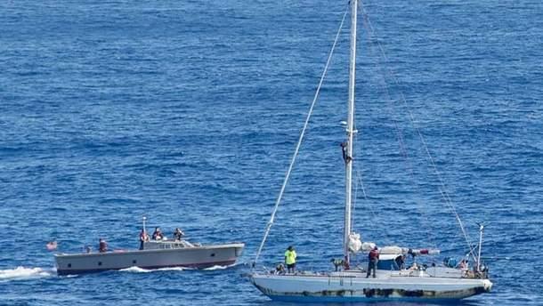 В США спасли двух женщин, которые 5 месяцев бродили по Тихому океану