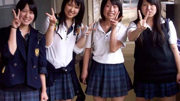 Японська школярка судиться за колір свого волосся