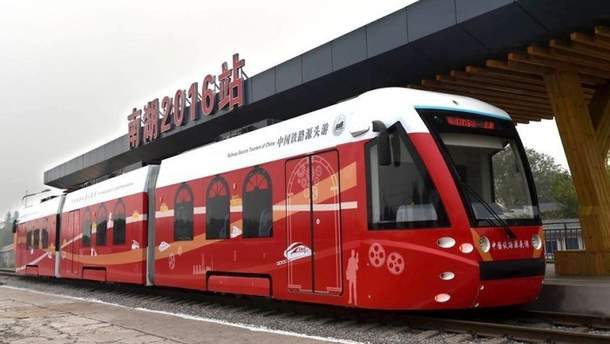 У Китаї запустили трамвай з гібридним двигуном