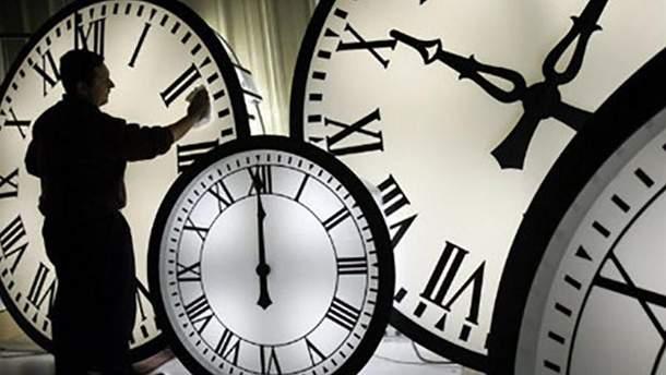 Еврокомиссия считает, что не нужно переводить часы на летнее время
