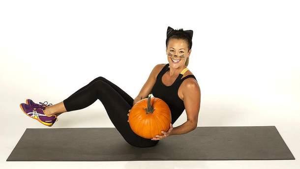 Тренировки на Хэллоуин: эффективные фитнес-упражнения с тыквой