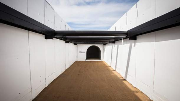 Тестовый туннель The Boring Company, который начинается на парковке SpaceX