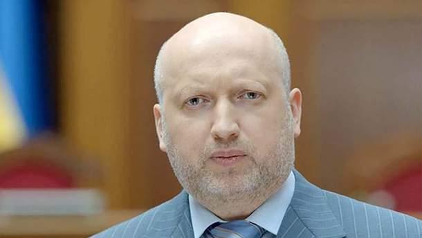 Олександр Турчинов прокоментував смерть Аміни Окуєвої