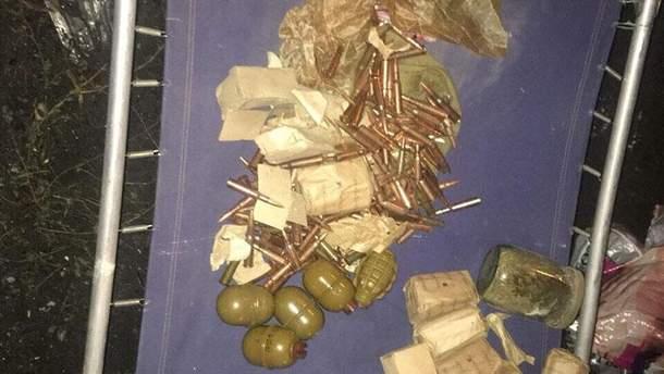 Мужчина хранил гранаты в автомобиле и у себя дома