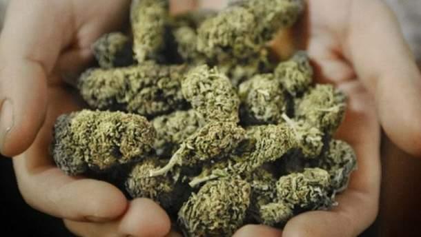Полиция нашла у мужчины наркотиков на миллион гривен