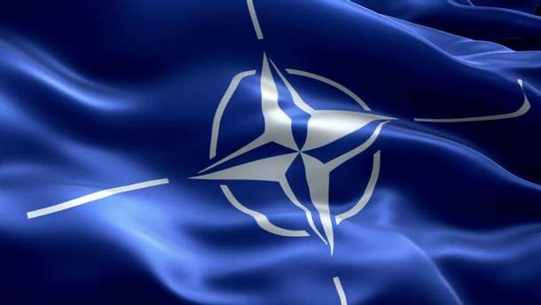 НАТО обязано защищать свои страны-участницы, а не Украину