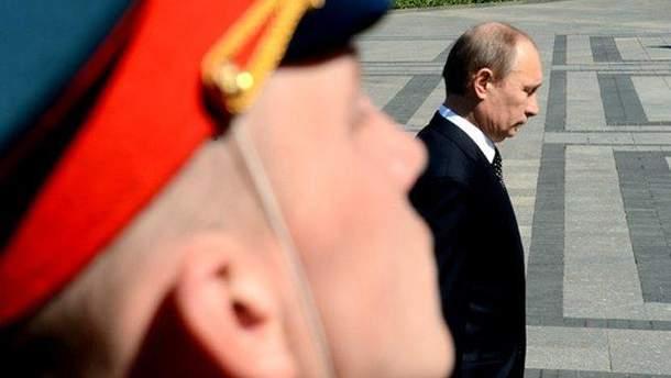 Екс-директор ЦРУ розповів про рішення Обами не озброювати Україну