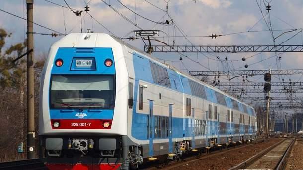 """""""Укрзализныця"""" запустила двухэтажный поезд из Тернополя в столицу"""