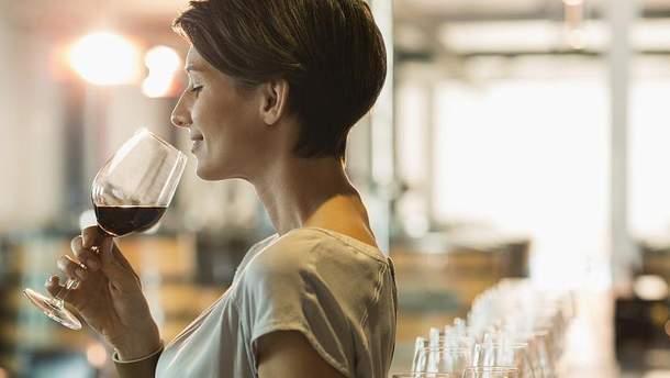 Ученые обнаружили неожиданную связь между вином и семейными отношениями