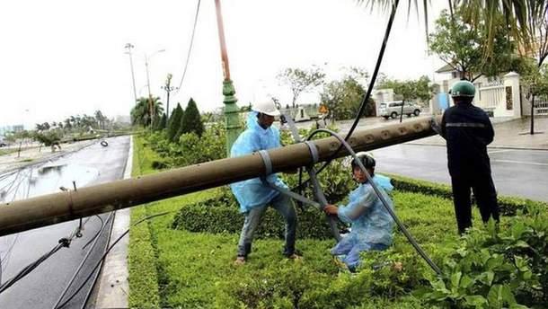 У В'єтнамі вирує руйнівний тайфун