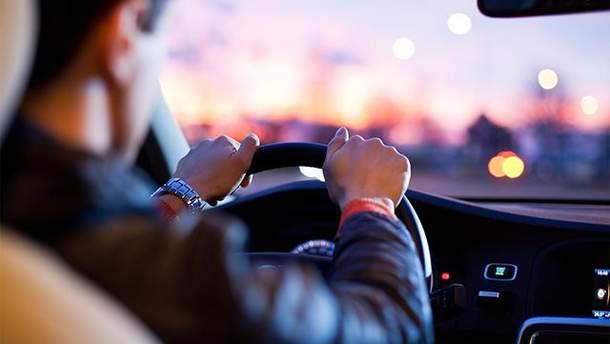 Право управления автомобилем в Украине могут потерять неплательщики алиментов