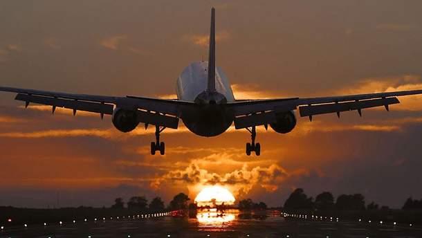 Самолет совершил экстренную посадку из-за скандала между супругами