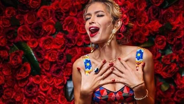 Віра Брежнєва вийшла в люди у сукні за 100 тисяч гривень