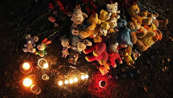 Вшанування пам'яті загиблих на місці трагедії у Іжевську