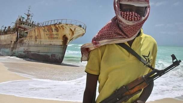 Захоплення німецького судна біля Нігерії: українського моряка звільнено з полону
